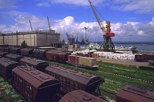 Какой груз предусматривает только железнодорожную перевозку?