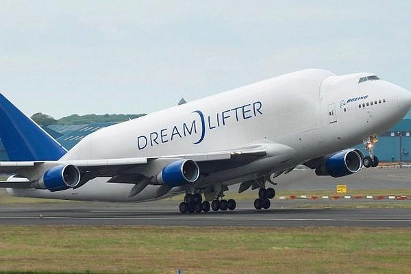 Boeing 747 LCF Dreamlifter